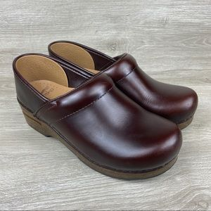Dansko Dark Burgundy Slip On Clogs EU 38 US 7.5-8